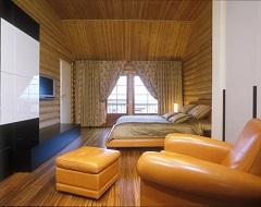 Шторы в деревянном доме