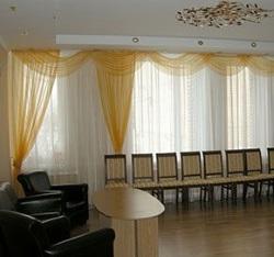 Выбрать шторы в музыкальный зал